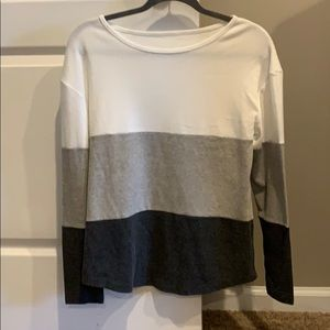 Small color block long sleeve top